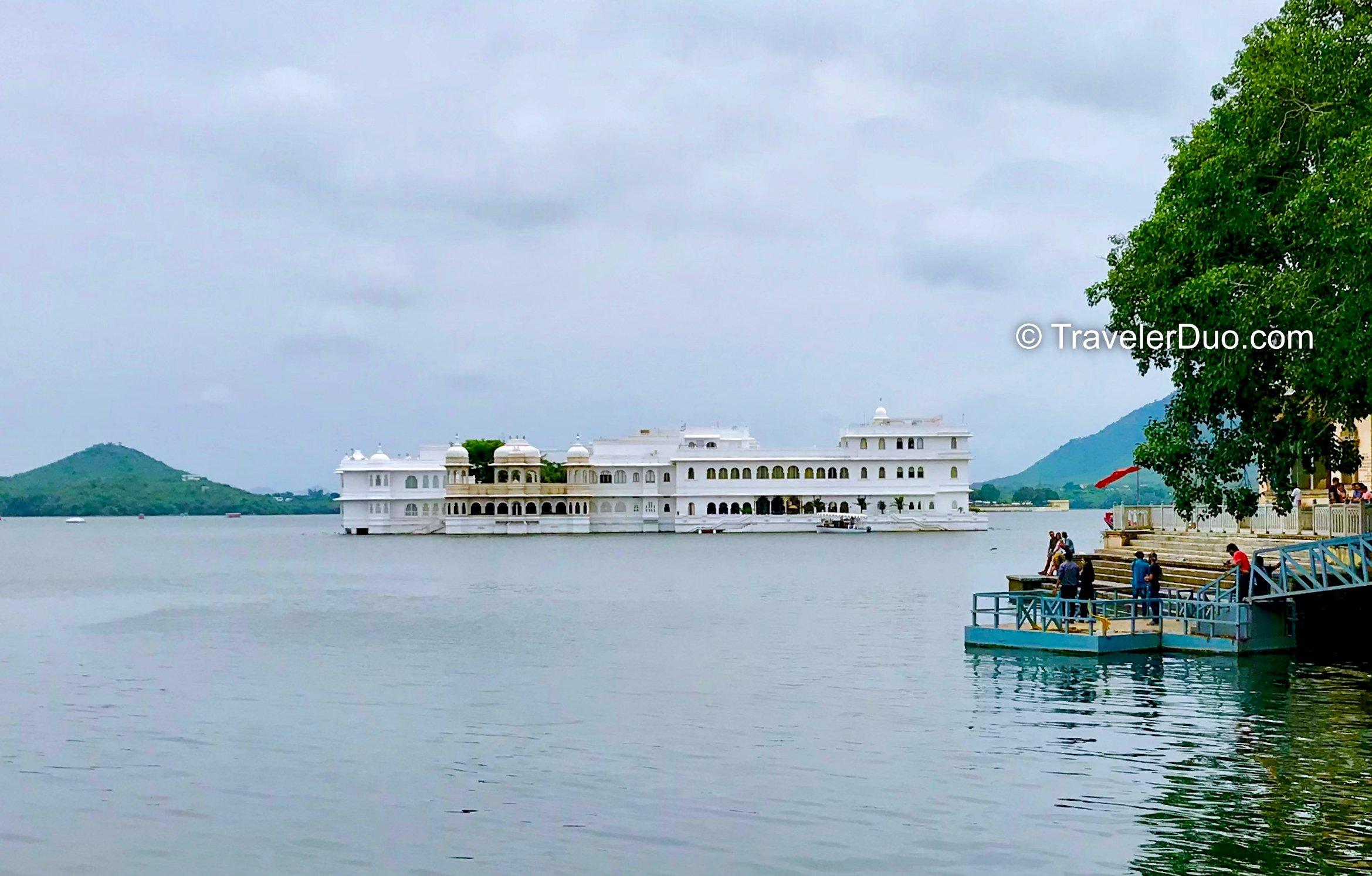taj lake palace udaipur rajasthan